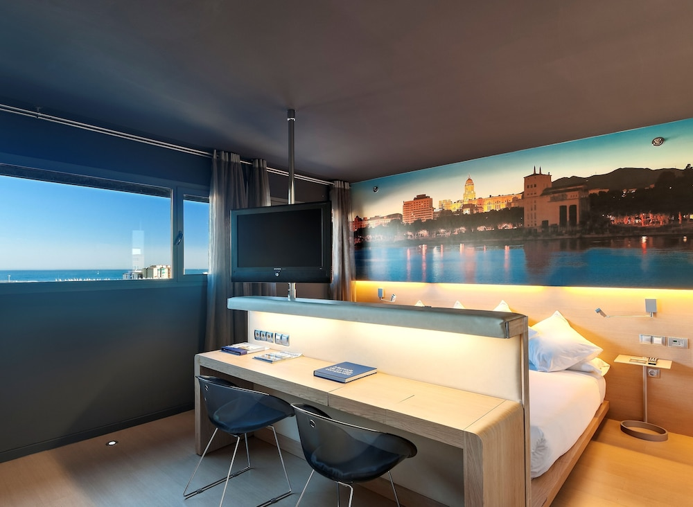 https://i.travelapi.com/hotels/2000000/1690000/1682800/1682733/f3176d62_z.jpg