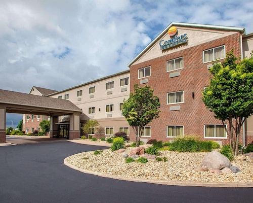 . Comfort Inn & Suites Davenport - Quad Cities