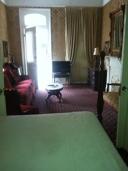 Suite (Royal Street View)