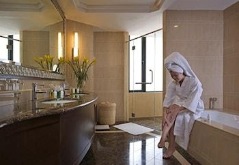 One World Hotel - Bathroom  - #0