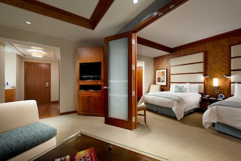 LODGE - Suite, 2 Double Beds