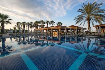 Crystal Tat Beach Golf Resort & Spa