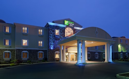 . Holiday Inn Express Hotel & Suites Swansea