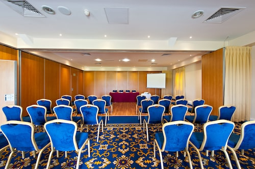 Roganstown Hotel & Country Club,