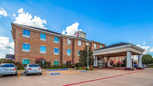 . Best Western Plus Waxahachie Inn & Suites
