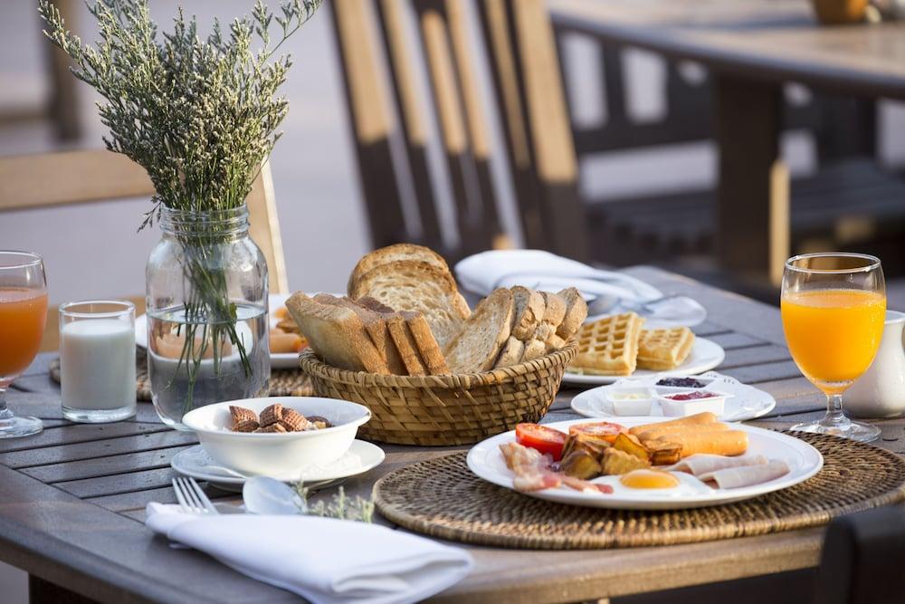 푸켓 오키드 리조트 & 스파(Phuket Orchid Resort and Spa) Hotel Image 72 - Breakfast Meal