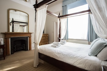 Four Poster Double Room with Bath