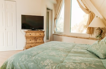 Royal House, 2 Bedrooms, 2 Bathrooms