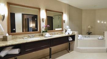 One king executive corner suite