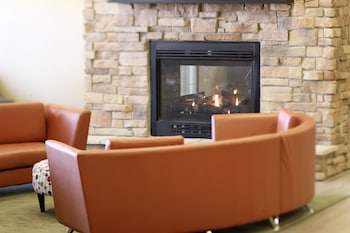 Hawthorn Suites by Wyndham Madison Fitchburg - Fireplace  - #0