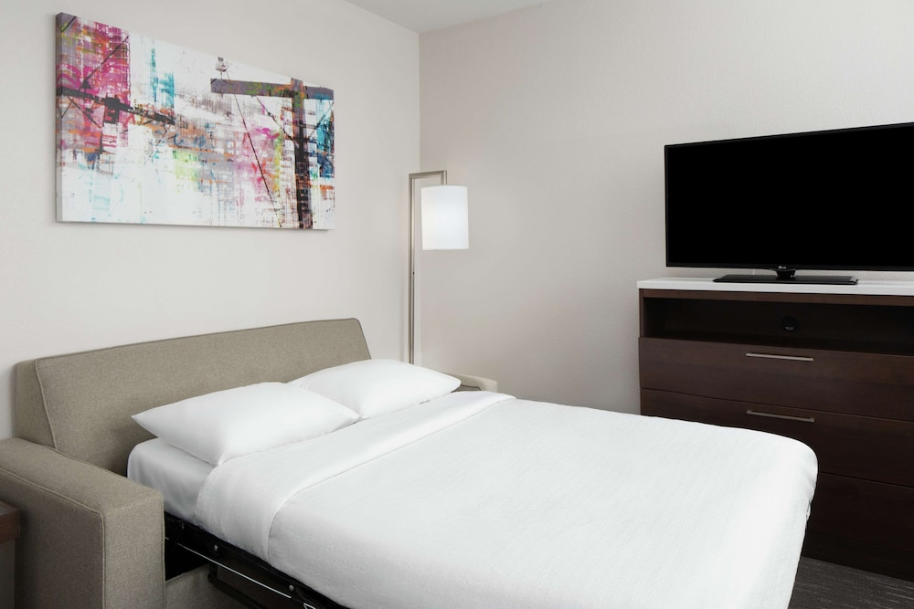 Suite, 1 Queen Bed, Accessible (Roll-In Shower)
