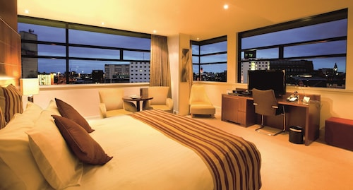 __{offers.Best_flights}__ Macdonald Manchester Hotel & Spa