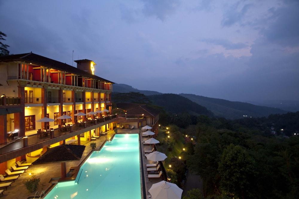 康提阿馬亞山飯店