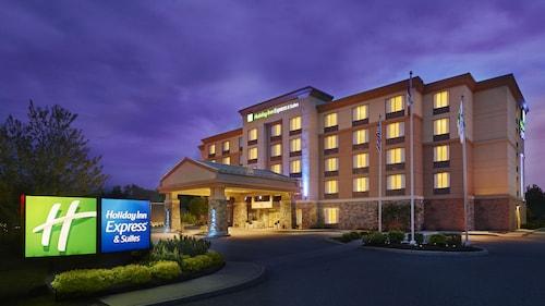 . Holiday Inn Express & Suites Huntsville, an IHG Hotel
