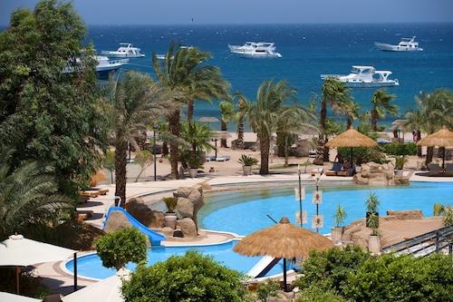 Lotus Bay Resort, Safaja