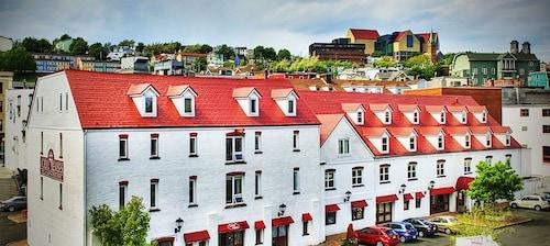 . The Murray Premises Hotel