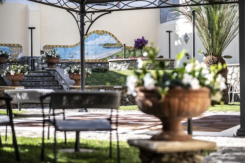 . Hotel Garibaldi