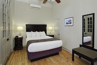 Deluxe Room, 1 Queen Bed
