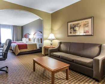 Oklahoma City Vacations - Comfort Inn & Suites Quail Springs - Property Image 1