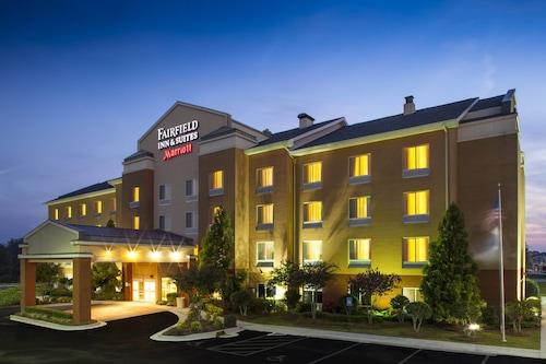 . Fairfield Inn and Suites by Marriott Atlanta McDonough