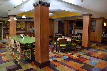 Effingham Vacations - Fairfield Inn & Suites Marriott Effingham - Property Image 1