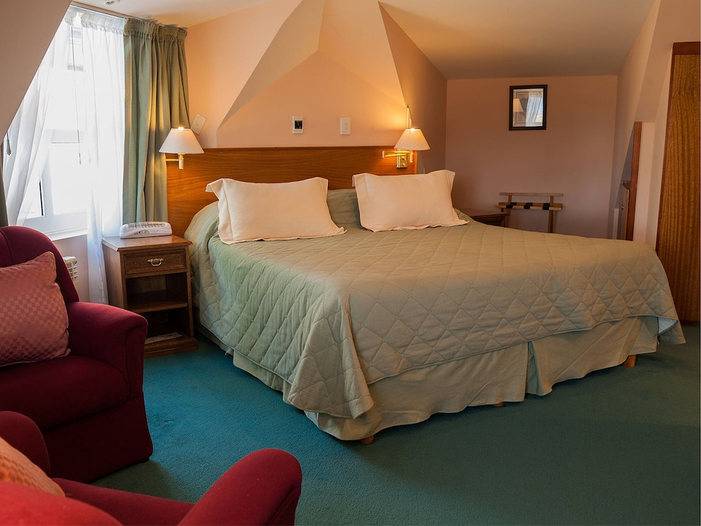 https://i.travelapi.com/hotels/2000000/1720000/1710900/1710819/2300ca9c_z.jpg