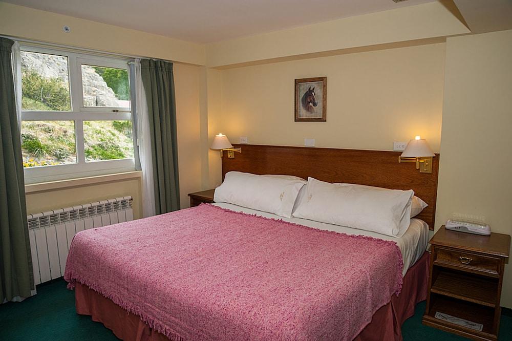 https://i.travelapi.com/hotels/2000000/1720000/1710900/1710819/62a09ada_z.jpg