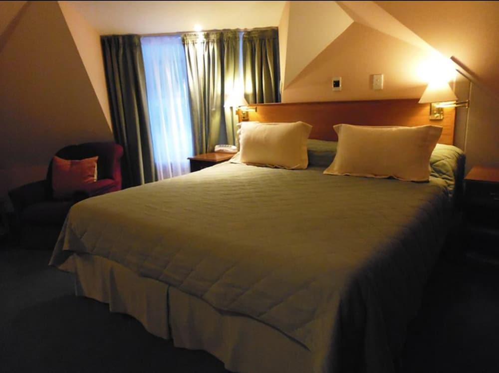https://i.travelapi.com/hotels/2000000/1720000/1710900/1710819/98eac227_z.jpg