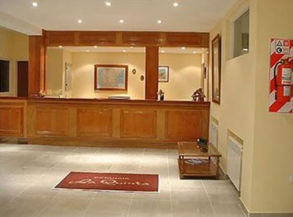 https://i.travelapi.com/hotels/2000000/1720000/1710900/1710819/ad054ae7_z.jpg