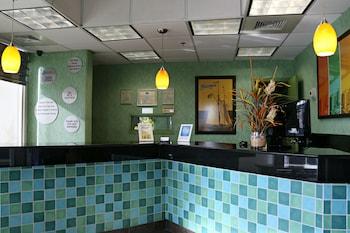 Reception at Schooner Inn in Virginia Beach