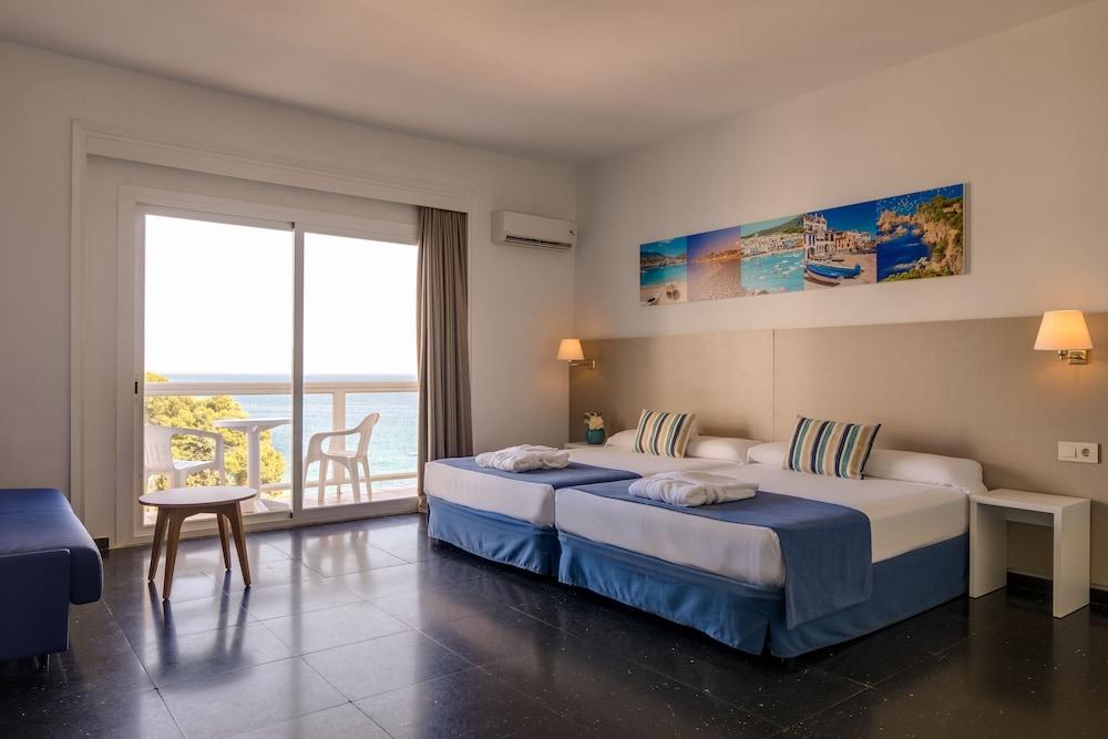 https://i.travelapi.com/hotels/2000000/1720000/1712300/1712222/1138824e_z.jpg