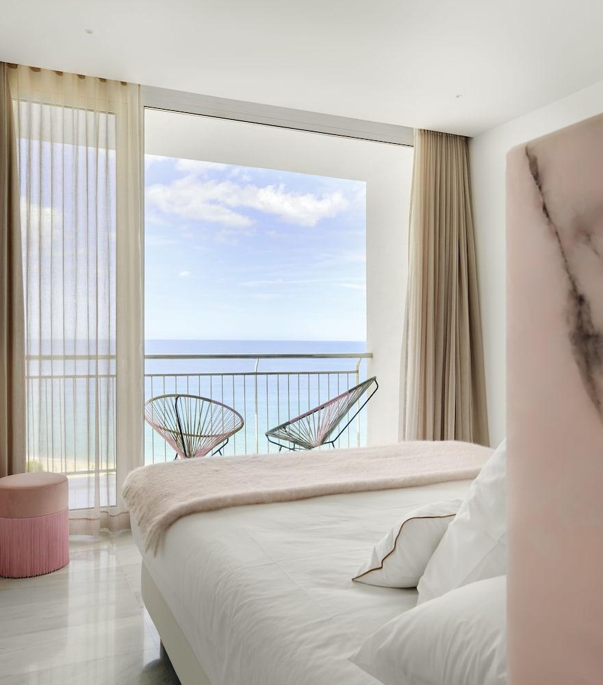 https://i.travelapi.com/hotels/2000000/1720000/1716000/1715915/a211c1c3_z.jpg