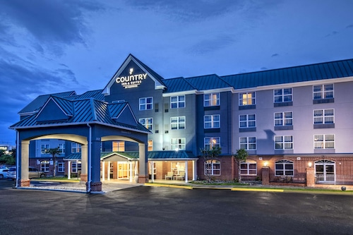 . Country Inn & Suites by Radisson, Potomac Mills Woodbridge, VA