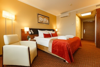 Standard Double or Twin Room (Atrium View)