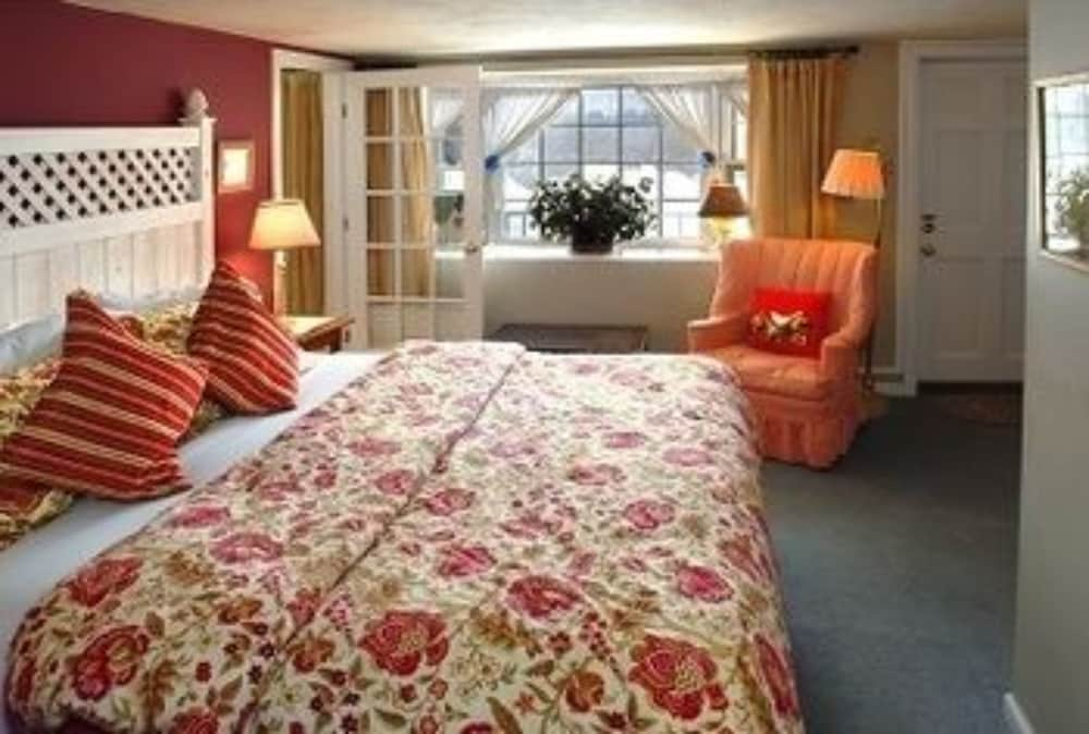 https://i.travelapi.com/hotels/2000000/1730000/1720600/1720584/4f4f4297_z.jpg