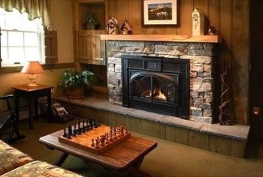 https://i.travelapi.com/hotels/2000000/1730000/1720600/1720584/bcd80eaf_z.jpg