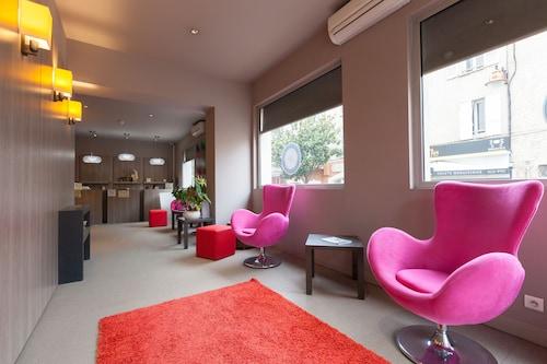 . Bliss Hotel
