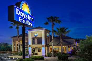 Hotel - Days Inn & Suites by Wyndham Huntsville