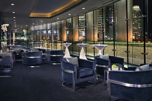 Trump International Hotel & Tower Chicago, Cook