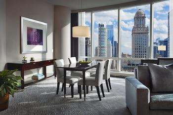 Deluxe Suite, 1 Bedroom, Lake View (Grand)