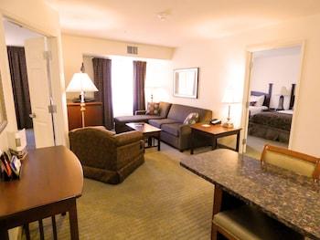 Room, 2 Bedrooms, Accessible, 2 Bathrooms (Nonsmoking, Mobil Tub)