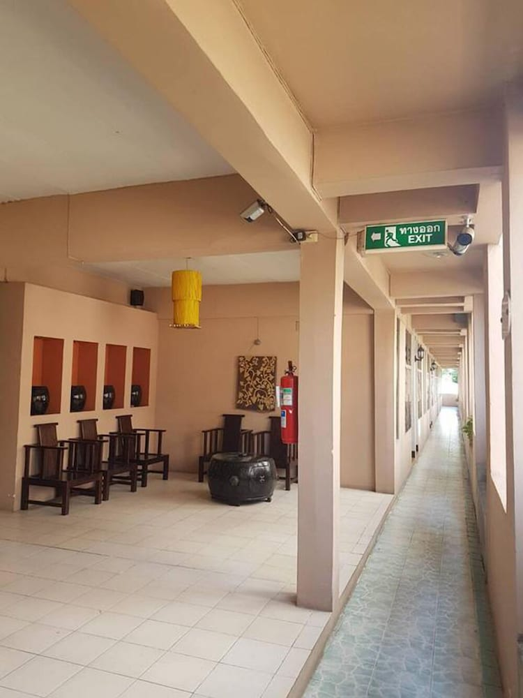 マニナラコーン ホテル