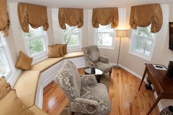 Suite, Private Bathroom (Kathleen Suite)