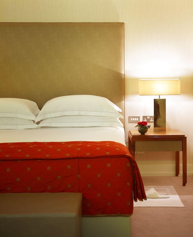 https://i.travelapi.com/hotels/2000000/1730000/1725300/1725289/190fe951_z.jpg