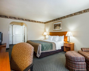 Ukiah Vacations - Comfort Inn & Suites - Property Image 1