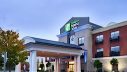 Holiday Inn Express Hotel & Suites Airport Dieppe, an IHG Hotel