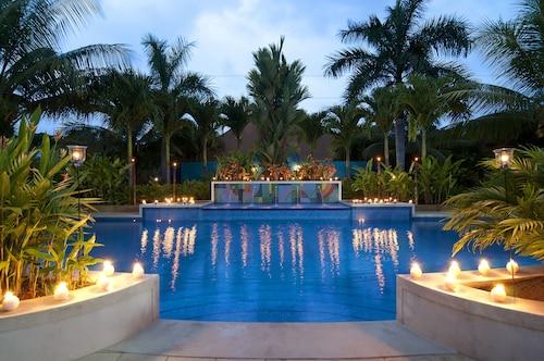 . Alma Del Pacifico Beach Hotel & Spa