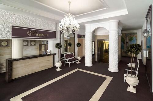 . Flowers Hotel