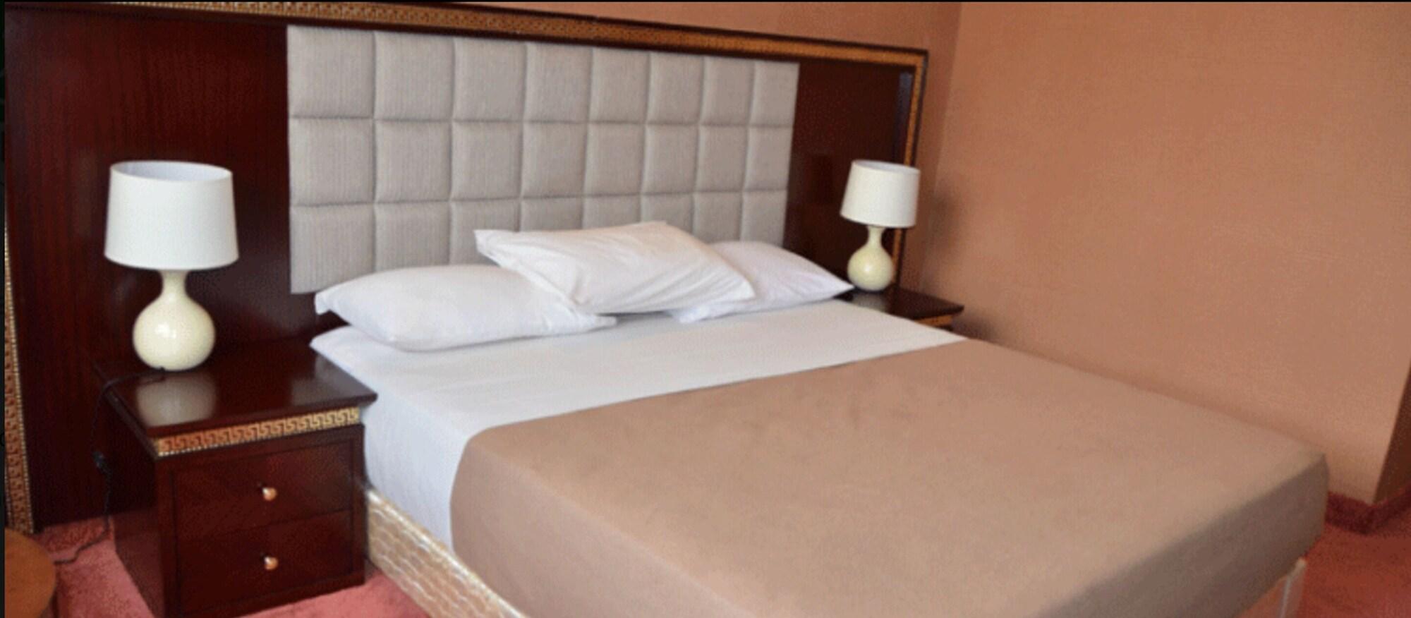 Hotel Palm Beach, Kadiogo