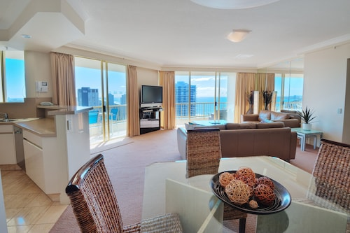Contessa Condominiums, Main Beach-South Stradbroke